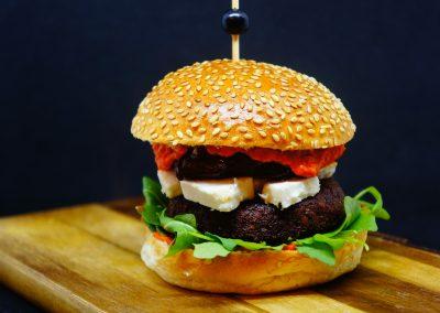 Burger méditerranéen / Mediterranean burger